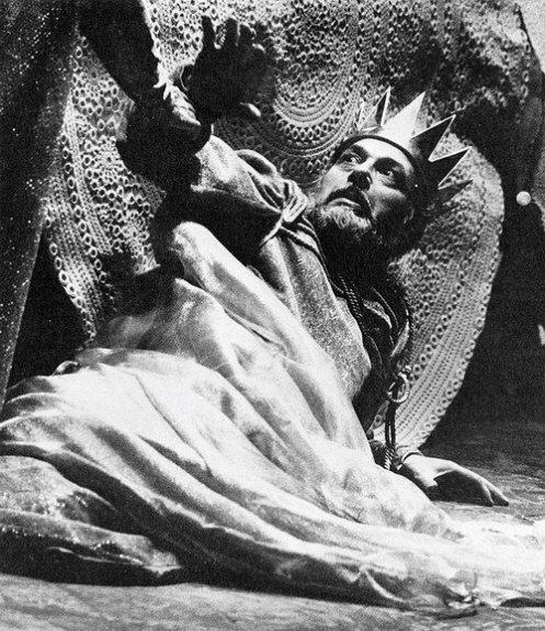 the hypnotic Bruson in Macbeth