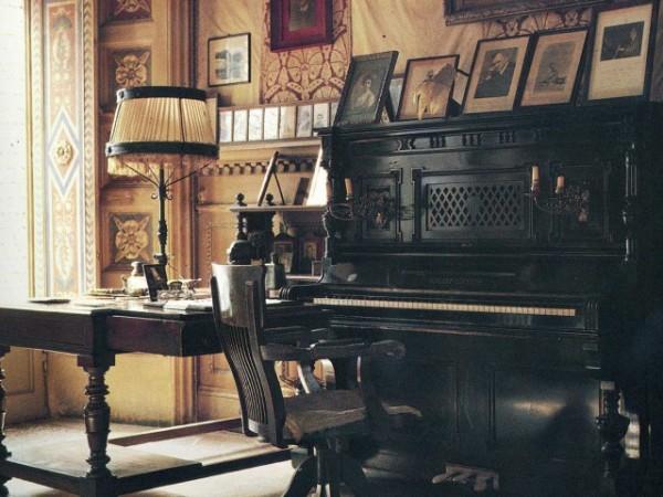 pianoforte-nel-salone-190968_640x480